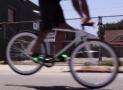 Come frenare con una bici a scatto fisso